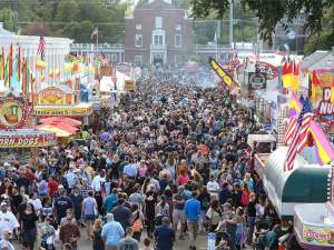 the big e crowd