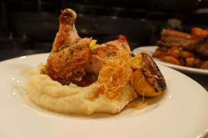 farm table chicken