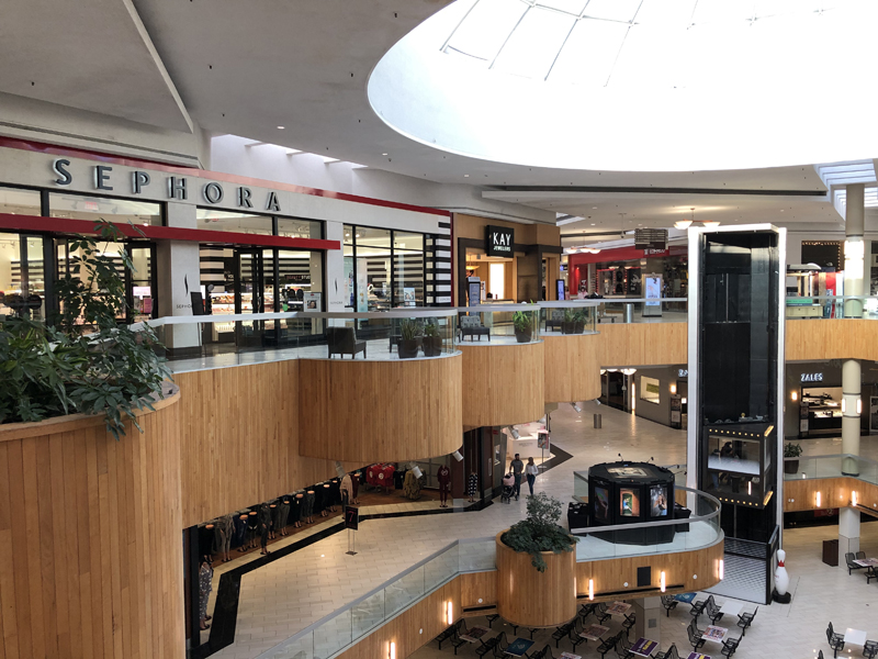 shops holyoke mall