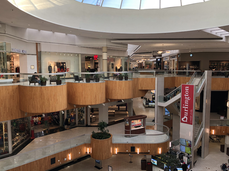 shops holyoke mall2