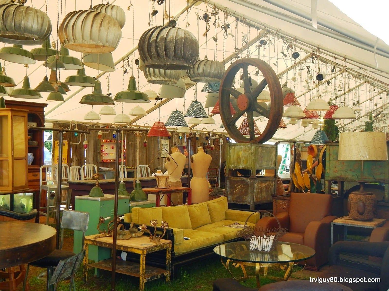 brimfield outdoor antique show promoters association westernmass. Black Bedroom Furniture Sets. Home Design Ideas